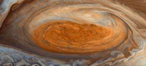 NASA Jüpiter'in büyük kırmızı lekesini fotoğrafladı
