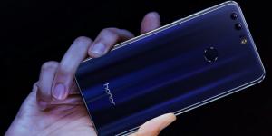Huawei'den Ultra Kavisli Telefon: Honor Magic promegaweb izmir web tasarım